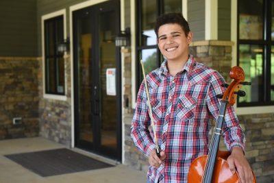 Carlos the library volunteer