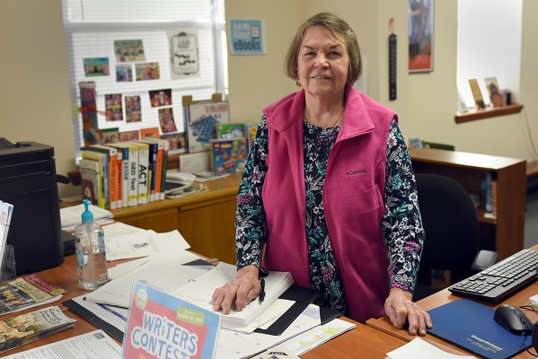 library manager bobbie mcgray